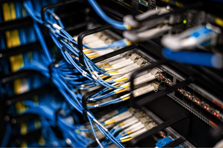 Kundenspezifische Lösungen der Elektromechanik und Systemintegration